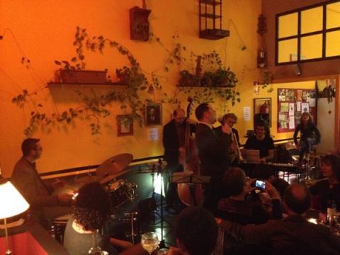 Agustí Buriel Sings Frank Sinatra